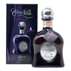 TEQUILA CASA NOBLE ANEJO 40% 0,7L  Tequila-Sotol-Mezcal 65,00€